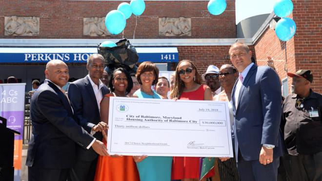 bal-baltimore-receives-hud-grant-20180719
